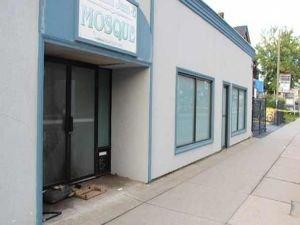 Kanada'da camiye iğrenç saldırı