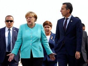 AB'nin 27 lideri, dün Bratislava'daki kritik zirvede buluştu