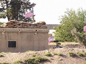 Tel Abyad'da ABD Bayrağı göndere biz çektik