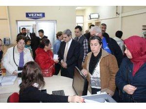 Aytun Çıray, sağlıktaki poliklinikleri yerinde inceledi
