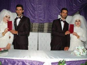 Kendileri gibi ikizlerle evlendiler