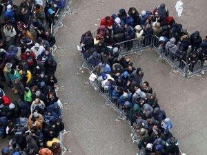 ABD, 800'den fazla göçmene 'yanlışlıkla' vatandaşlık verdi