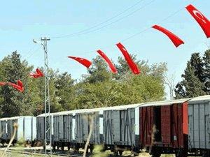 Şanlıurfalılar, sınır bölgesini Türk bayrakları ile donattı
