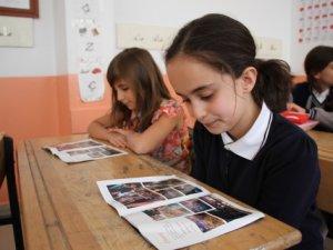 15 Temmuz zaferi öğrencilere broşürlerle anlatıldı