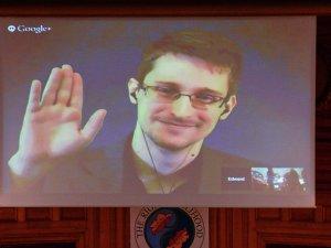 'Snowden'ın oyuncularından Nicolas Cage: Bu hikaye dünyayı değiştirdi