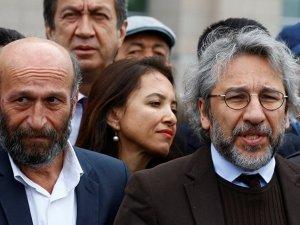 Erdem Gül ile Can Dündar'ın davası başladı