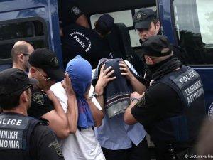 Yunanistan'a kaçan FETÖ'cü askerlerin sığınma talebi reddedildi