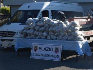 Diyarbakır'dan Elazığ'da götürülmek üzere 157 kilo esrar yakalandı