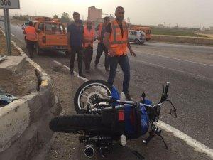 Otomobil'in çarptığı motosiklet sürücüsü ağır yaralı