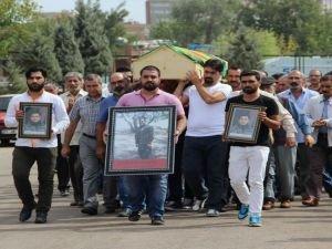 HDP'li vekiller yine PKK'lı cenazesinde!