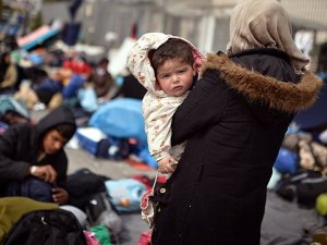 Makedonya'da 35 kaçak sığınmacı yakalandı