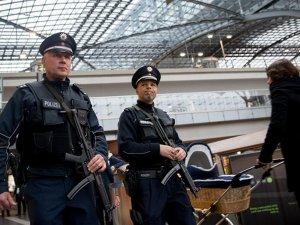 Almanya, IŞİD şüphelisi havaalanında gözaltına alındı
