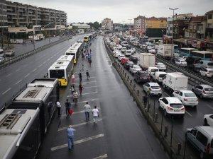 Metrobüs hatlarında İngiliz trafiğine son!