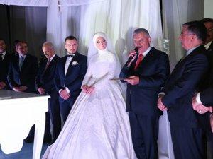 Başbakan yeğeninin nikah törenine katıldı