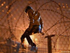 Hollande, Calais'deki sığınmacılar Fransa geneline dağıtılacak