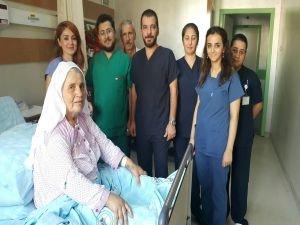 65 yaşındaki hastanın Akciğer yırtığı tedavi edildi