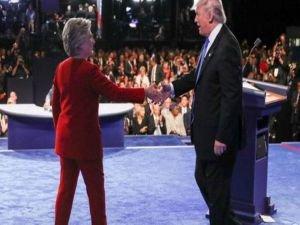 Clinton ve Trump canlı yayında kozlarını paylaştı
