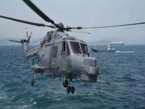Güney Kore'de askeri helikopter düştü!