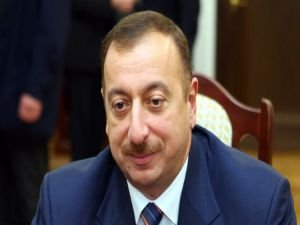 Aliyev'in görev süresi uzatıldı