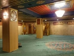 Meclis'teki cami kapandı, 'saf' sorunu çıktı