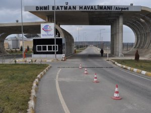 Şok olay! Batman Havalimanı'na 2 havan topu mermisi düştü