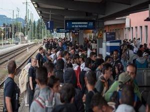 Almanya'ya 2015'te 890 bin sığınmacı geldi