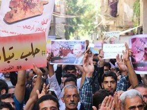 Rusya'yı Suriye'deki saldırılardan dolayıp protesto ettiler