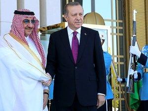 Erdoğan, Prens Muhammed bin Nayif'i resmi törenle karşıladı