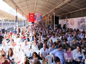 5 binden fazla Balkan Göçmeni Sirkeci Garı'nda Buluştu