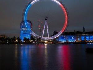 London Eye'da yüzlerce kişi mahsur kaldı