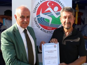 Rıdvan Şükür, IAAF Eğitimi sonunda Antrenör oldu