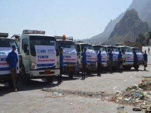 Yemen'e acil yardımlar sürüyor