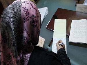 Başörtüsü çıkarmayan öğrencisini sınavdan attı