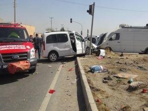 Trafik kazası: 1 ölü 4 yaralı