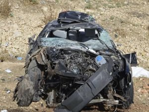 Otomobil şarampole yuvarlandı: 1 kişi yaşamını yitirdi