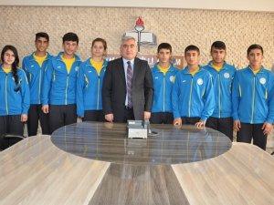 Aslan, Spor Lisesi'nin başarılı öğrencilerini konuk etti