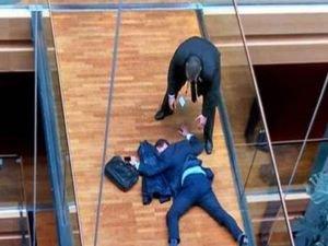 Avrupa parlementosunda yumruklu kavga!