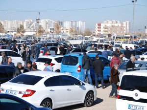 Trafiğe kayıtlı araç sayısı Aralık ayı sonu itibarıyla 19 Milyon 994 bin 472 oldu