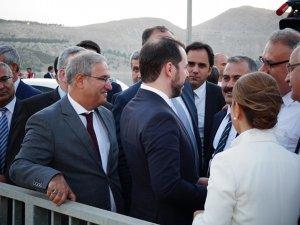 Bakan Albayrak, Suriyelilerle görüştü