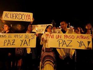 Kolombiya'da halk sokaklara döküldü