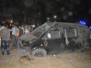 Batman'a Tekstil işçilerini taşıyan araç devrildi: 2 ölü 9 yaralı