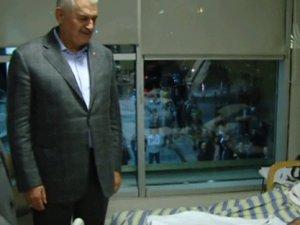 Başbakan Yıldırım'dan hastalara gece sürpriz ziyaret