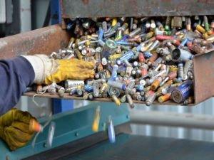 Zeytinburnu'nda 7261 Kilo Atık Pil toplandı