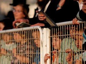 Tevrat'a göre İsrailliler 'kepenk kapattı'