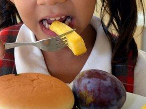 Dikkat! Obezite o hastalıklara yol açıyor