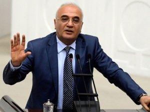 Mustafa Elitaş: Başbakanı kaldırmamız gerekecek