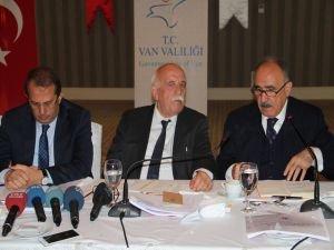 Kültür Bakanı Avcı, Van'da turizmcilerle bir araya geldi