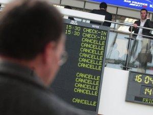 Rusya hava alanında bomba ihbarı
