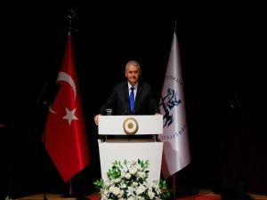 """Başbakan Yıldırım: """"Birlikte Olursak Ayakta Kalırız"""""""