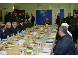 Diyarbakır Valisi Aksoy, STK'lar ile kahvaltıda buluştu
